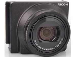 Ricoh P10 28-300mm f/3.5-5.6 VC